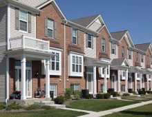 Pros and Cons of Apartment Rental Companies when Leasing Property